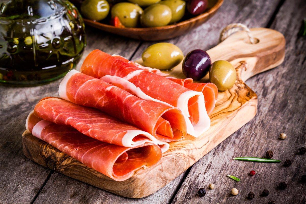 Ristorante Pizzeria sicuro a Parma? Luna Blu!   Pesce, Degustazioni, Carne, Pizze.. Dehor Esterno, Sale Interne, Domicilio, Asporto, Acquisto Online, POS..