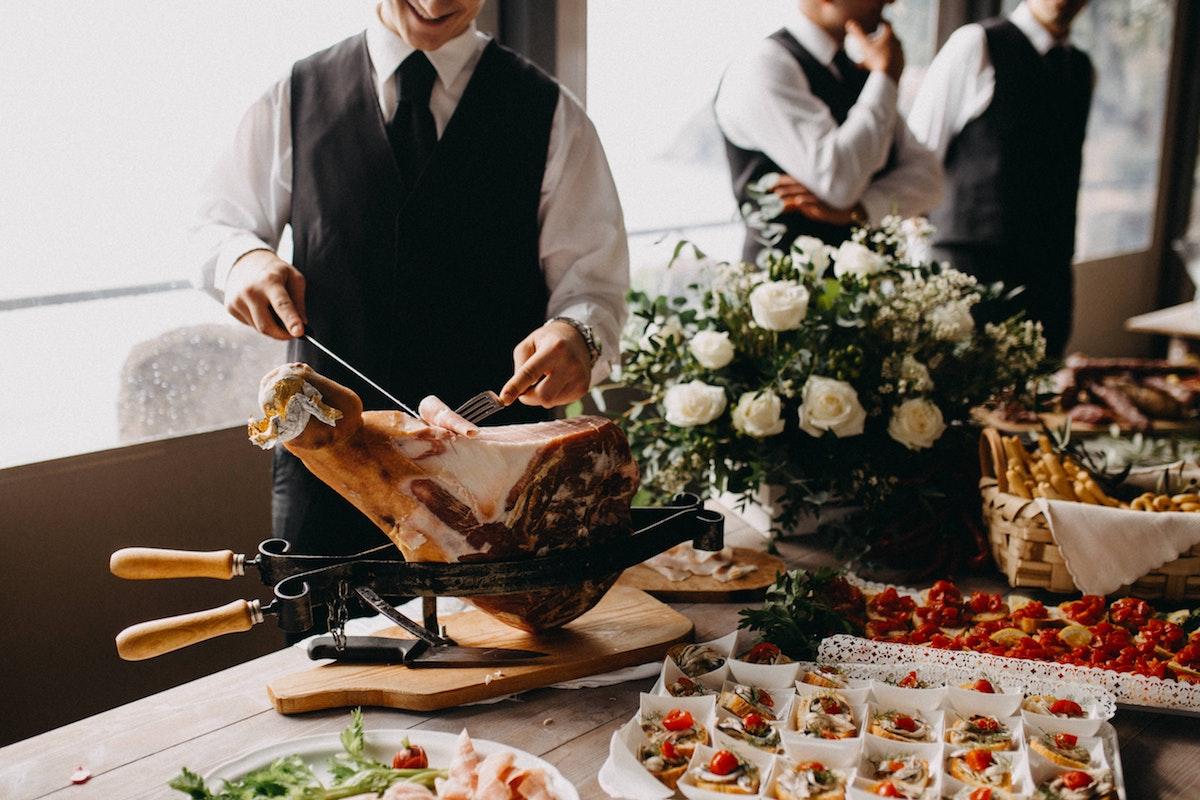 Le Degustazioni di Parma al Ristorante Luna Blu: anche Pesce Pizzeria con Forno a Legna Parcheggio Wifi Cucina Casalinga e per bambini Dehors